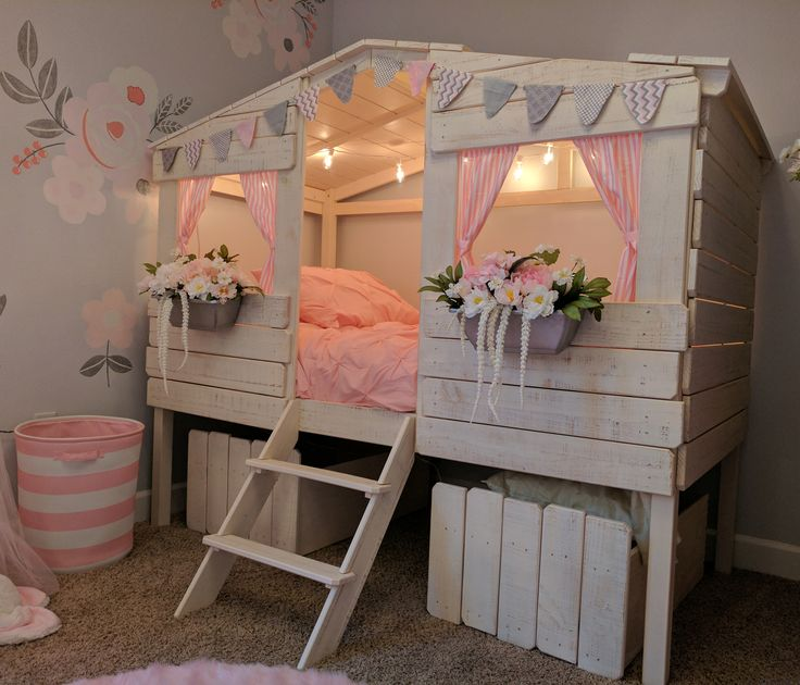 Twin Size Tree House Low Loft Bed In Rustic Sand Finish