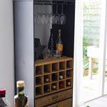 Ik deelde deze fantastische wijnkast een paar weken geleden al in mijn stories en kreeg er zóveel vragen over. Vandaag kun je hem winnen! Check OMF voor de details en de restyling van dat stukje in mijn keuken. #ohmyfoodness #winactie #jubileum #nuonline