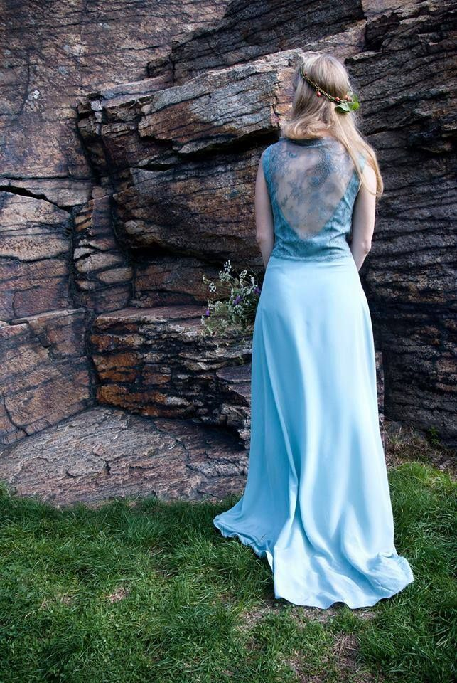nontraditional wedding dress, blue, lace