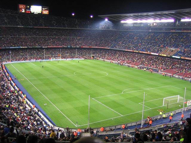 Camp Nou. To je stadiónek :)