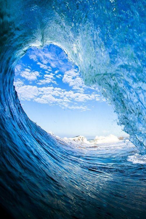 Contorno: las olas crean esa unidad que separa al objeto del entorno.