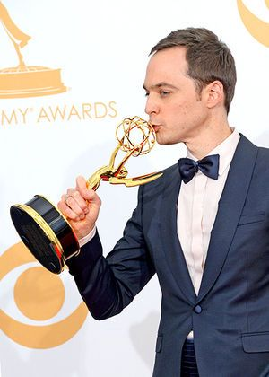 数多くの賞を受賞している。実力派俳優ジム・パーソンズ