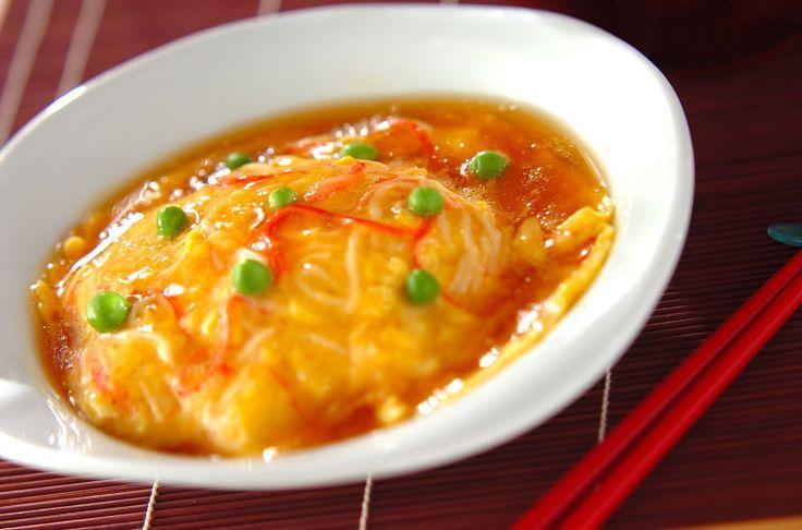 難しいと思われがちな天津飯もこの作り方ならラクチン。天津飯[中華/米料理(チャーハン等)]2008.05.19公開のレシピです。