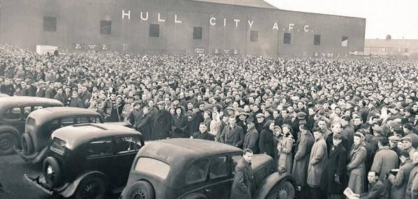 Boothferry Park, Hull City AFC. 26/1/1949. Hull City v Manchester United 0-1. FA Cup quarter final. Attendance: 55000.