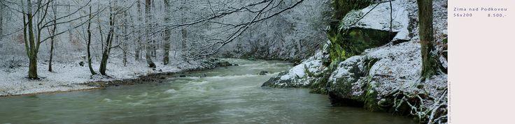 ZIMA+nad+PODKOVOU+Obraz+je+signovaný,+napnutý+na+vlastnoručně+zhotoveném+dřevěném+rámu+a+ošetřen+speciálním+lakem.+Vhodný+do+větších+hal,+recepce+či+penziónů+nejen+v+oblasti+vysočiny.+Působivá+krajina+řeky+Oslavy,+Roky+u+řeky+zaznamenávají+fotografem+Tomášem+Bendou+hlubokou+odezvu+neopakovatelného+rázu+krajiny.+Ozvláštněte+svůj+interiér+obrazem,+který+vás...