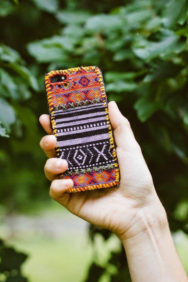 DIY: tapestry iPhone case