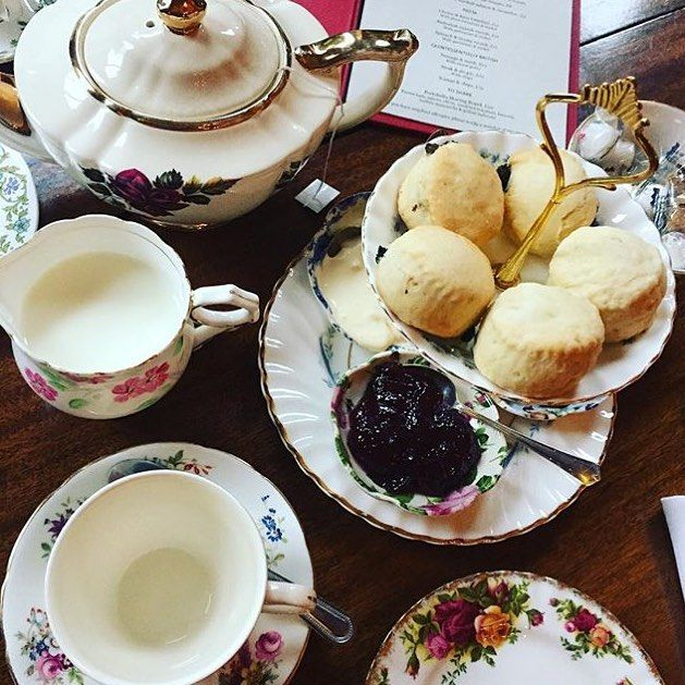 Cloudy days call for a beautiful cream tea in the Sitting Room. Captured by @racycharlie #portobellohotel #portobelloroad #nottinghill #london #travel #creamtea