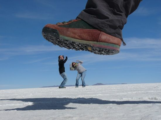Creative Forced Perspective Photos For Your Inspiration