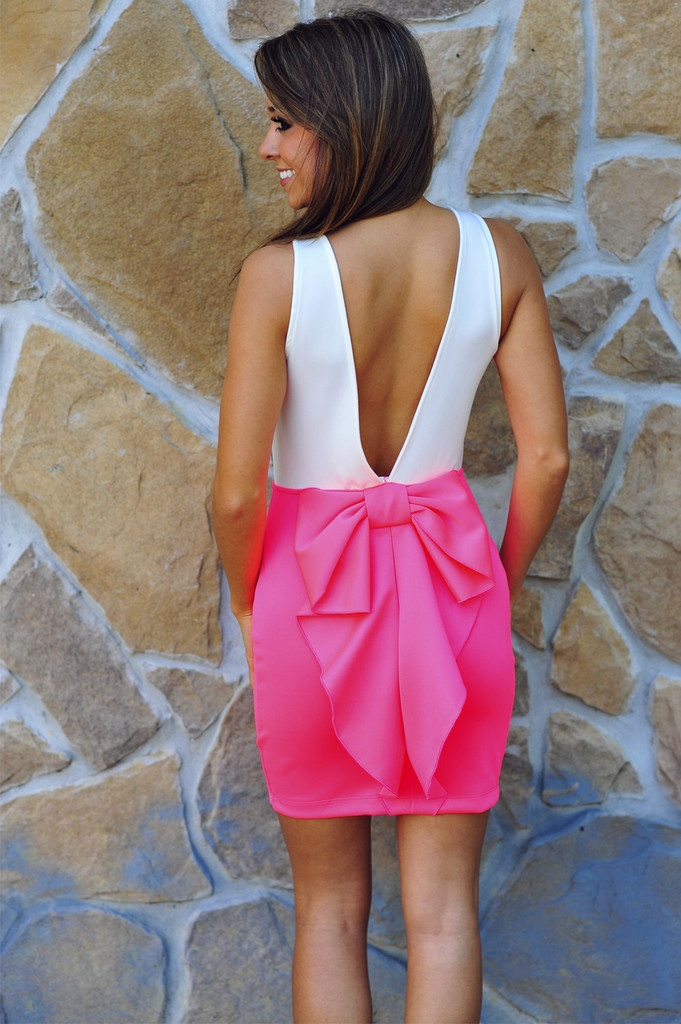 This dress is beyond adorable!