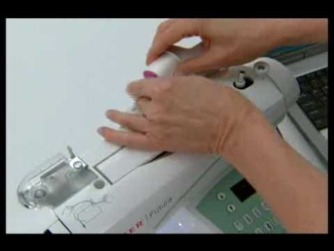 SINGER Futura: Threading the Machine - YouTube