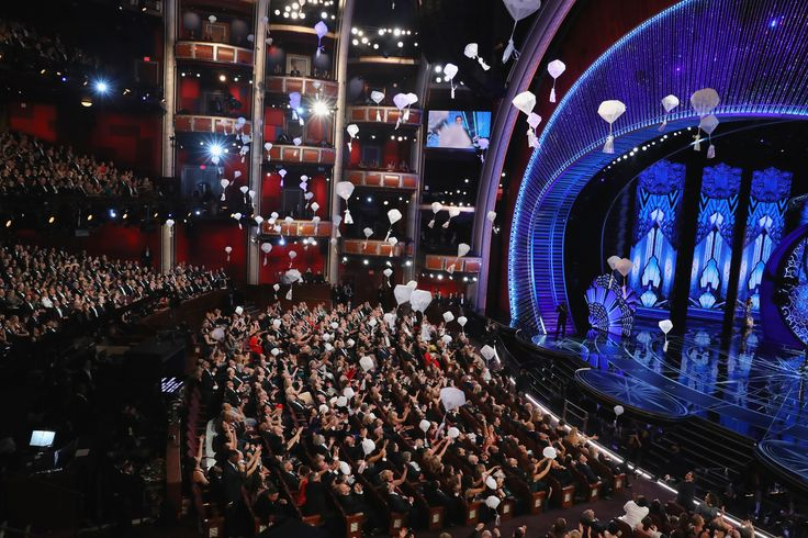 89th Academy Awards - Oscars Awards Show - Hollywood, California, U.S. - 26/02/17 - Candy is delivered from the rafters to the audience. REUTERS/Lucy Nicholson via @AOL_Lifestyle Read more: https://www.aol.com/article/entertainment/2017/02/27/scarlett-johansson-shuts-down-ryan-seacrest-during-2017-oscars-i/21722755/?a_dgi=aolshare_pinterest#fullscreen