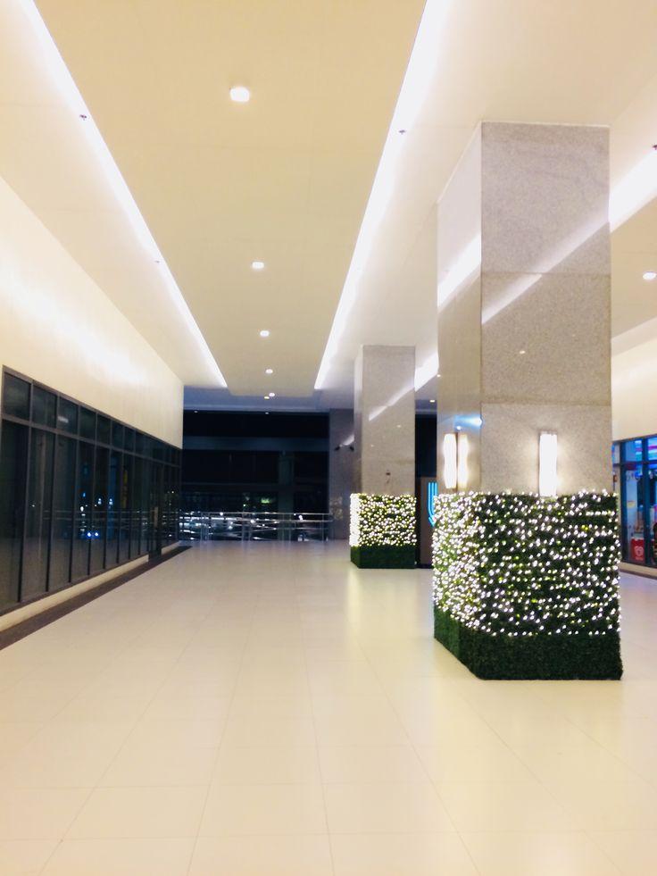 Centris Cyberpod Tower 3 Corridor