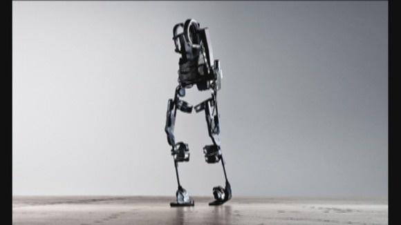 Spinal Cord Injury | Brace | Paraplegics | Ekso Bionics | Technology in Motion | http://technologyinmotion.com/: Help Parapleg, Bionic Suits, Calendar Stories, Parapleg Walks, Spinal Cord Injury, Spinal Cords Injury, Bionic Technology, Suits Help, Calendar News