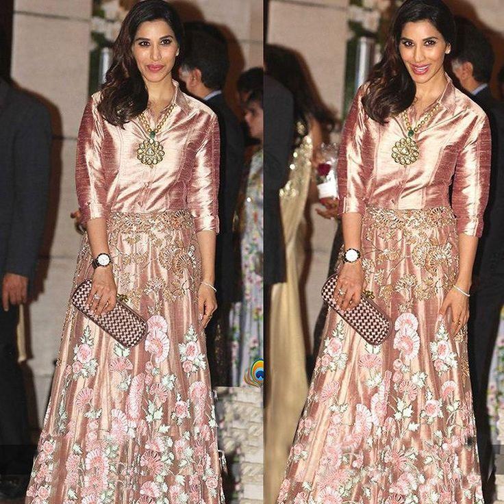 Sophie Choudry Silk Machine Work Peach Semi Stitched Bollywood Designer dresses @ Smartdeals4u.com #Fashion  #Designer #Bollywood #Style #Lehenga #Saree #Choli #Wedding #Dress #OnlineShopping Just Rs. 2600/- Only  Buy Now :- www.Smartdeals4u.com