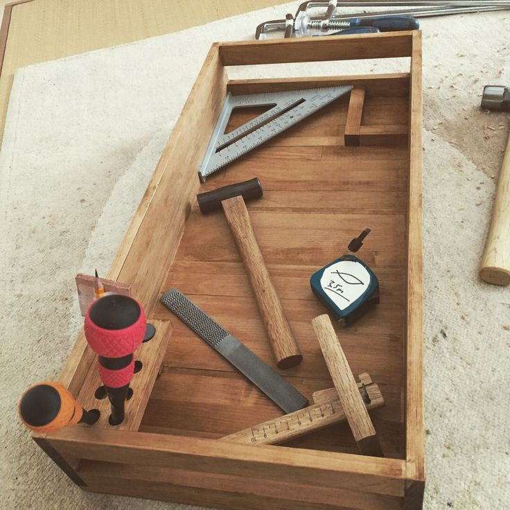 Simple scrapwood tool tray.
