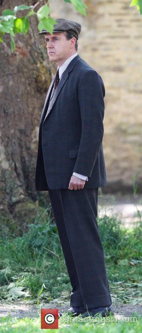 Everything is Downton and Nothing Hurts!..Kevin Doyle filming Downton Abbey season 6 in Bampton June 11th. Pictures are from Contactmusic...