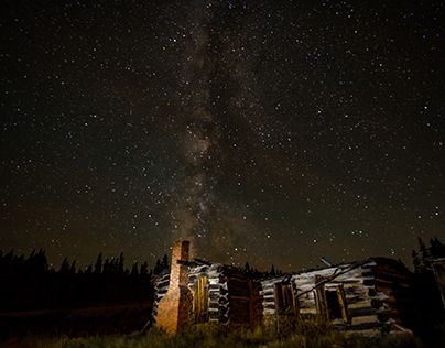 "Check out new work on my @Behance portfolio: ""Cabin and Milky Way"" http://be.net/gallery/57670057/Cabin-and-Milky-Way"
