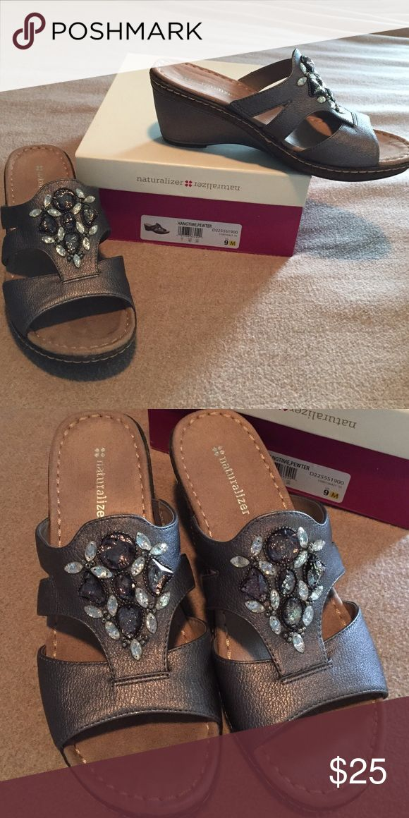 Sandals Naturalizer jeweled pewter sandals us size 9 Naturalizer Shoes Sandals