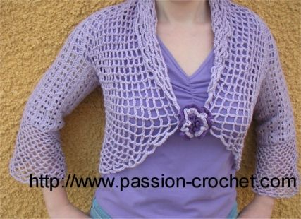 Bolero facile au crochet. Tuto en français : http://www.passion-crochet.com/vetements10.html