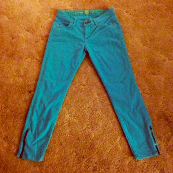 Rich&Skinny Aqua Jeans Sz 24 NWOT  Brand new Rich and Skinny aqua jeans with slight stretch. Washed once but still too big for me. They have adorable zippers at the bottom as pictured.  Rich & Skinny Jeans