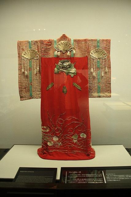 WHAT IS THIS?!?!?!  >>>Edo period kimono in the Edo Museum, Tokyo