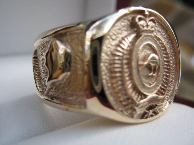 RNZIR Ring Side View in  18k Gold