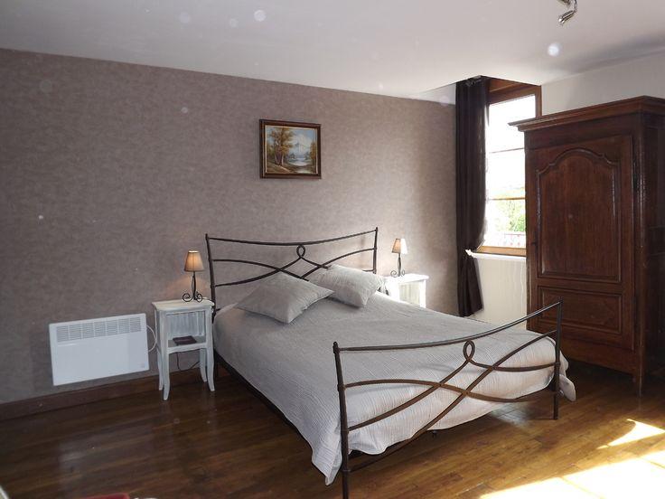 Romain et Aline Gérard vous accueille dans leur maison lorraine de 1920 entièrement rénovée pour vous offrir deux chambres d'hôtes aux couleurs contemporaines et spacieuses. Crédit photo : CDT Meuse