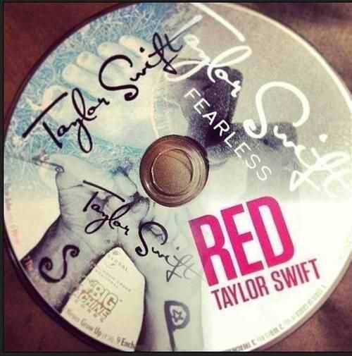 All Taylor Swift's Albums :) Taylor Swift, Fearless, Speak Now, and Red <3 <3 <3