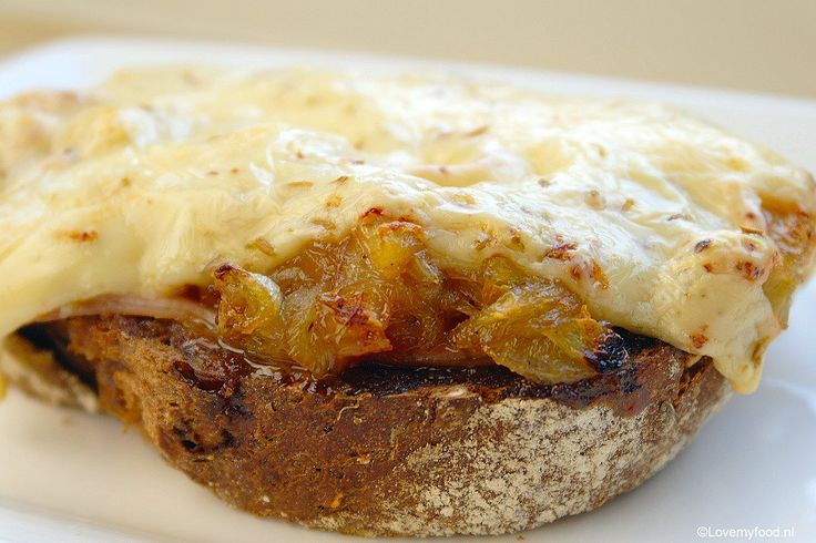 warm-broodje-met-ham-witlof-en-komijnekaas-1