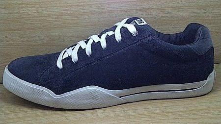Kode Sepatu Converse Cons Skate Black Suede | Ukuran Sepatu 9 | Harga Sepatu 550.000 |  Untuk pemesanan hub 0831-6794-8611