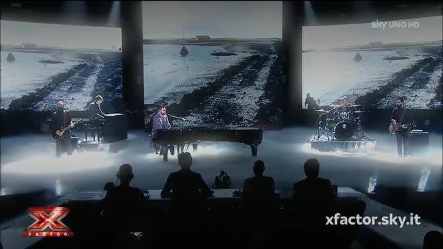 """Marco Mengoni canta """"Ti ho voluto bene veramente""""  sul palco di X Factor"""