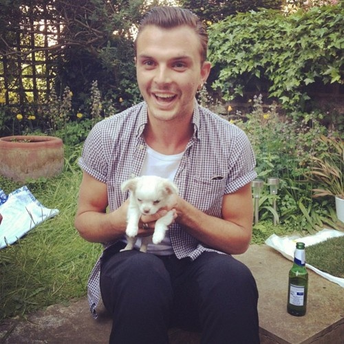 Theo Hutchcraft // @thesmall1 I think I'm suffocating from the sheer adorbs going on here. Please send help. Thanks.