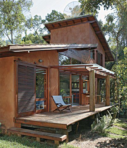 Se você está prestes a construir uma casa no litoral, ela tem que ser especial. Nossas idéias vão lhe ajudar na escolha do projeto e na decoração.