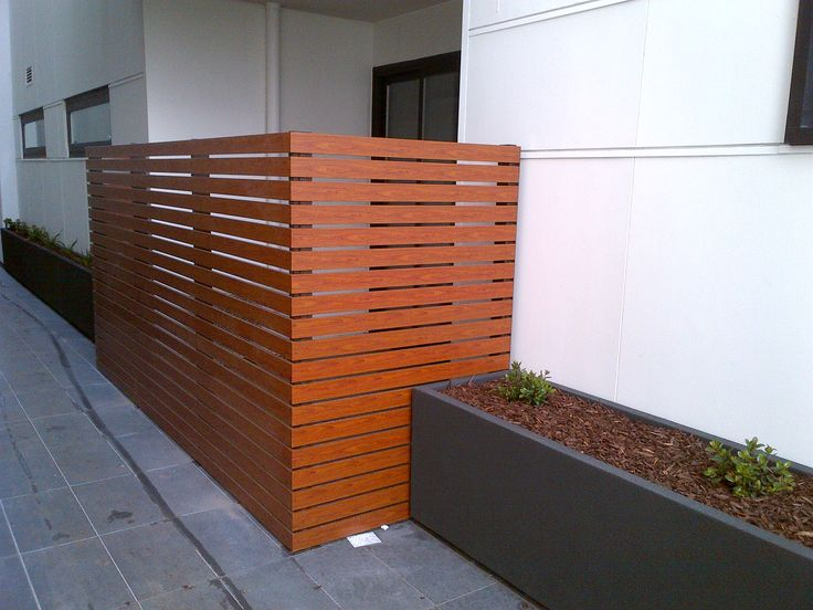 As Knotwood's aluminum privacy screens are made to order (or you can DIY), you choose the spacing between slats, you choose the height of your screen, you can have an adjustable privacy screen, you choose the angle of your slats and if our Knotwood wood look color range doesn't suit your home you choose a custom powder coat color for your privacy screen, Knotwood will make it for you!  All the choices are yours so you can create a unique privacy screen just for your home.