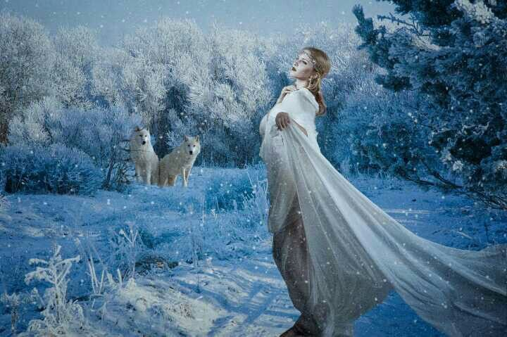 :-) The Wolf Maiden and Her Pack