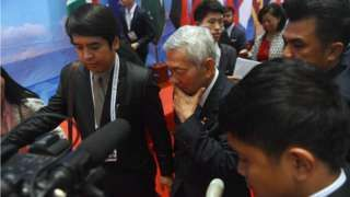 Image copyright                  AFP Image caption                                      Philippines Foreign Minister Perfecto Yasay Jr (C) was mobbed by reporters as he left talks in Vientiane                                South-East Asian nations have failed to agree a common position on Chinese claims to the South Sea China, after a court ruled against Beijing. The UN-backed international tribunal supported a case brought by the Philippine