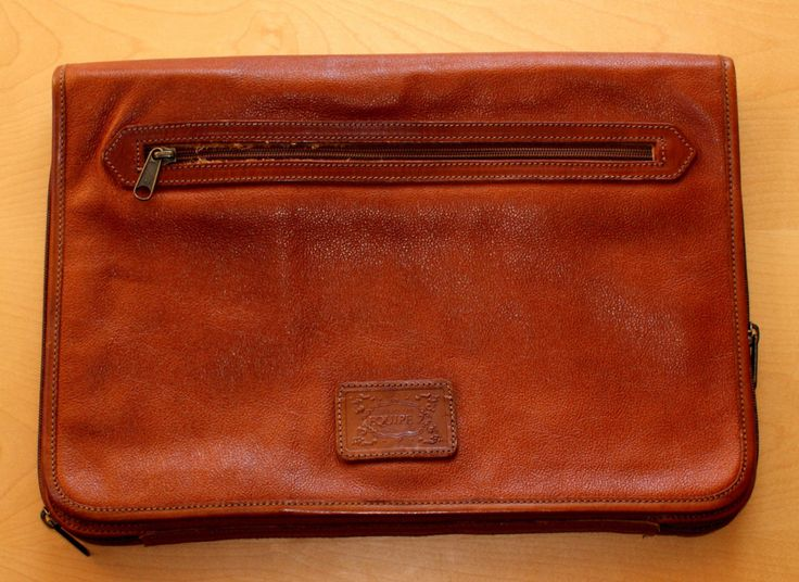 "Minimalist Real Vintage Leather Briefcase Made in Italy ""Equipe 2"" Cartella Portadocumenti Notebook in Pelle Marrone Vintage"" EQUIPE 2 "" di BeHappieWorld su Etsy"
