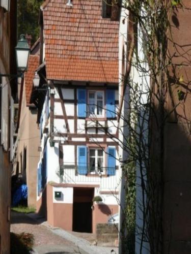 Oberbronn: Maison à colombages - France-Voyage.com