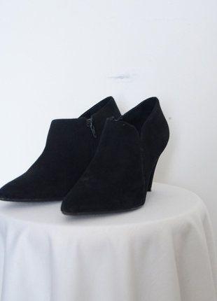 À vendre sur #vintedfrance ! http://www.vinted.fr/chaussures-femmes/bottes-and-bottines/26390956-boots-en-daim-minelli-37