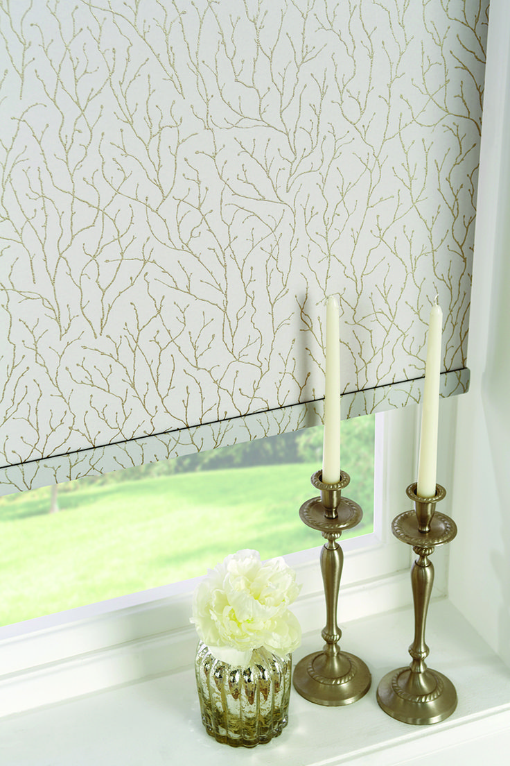 Roller Blinds 2017/2018 by Louvolite® - Coral - Luna.    A gorgeous coastal inspired design with a high end coral motif.