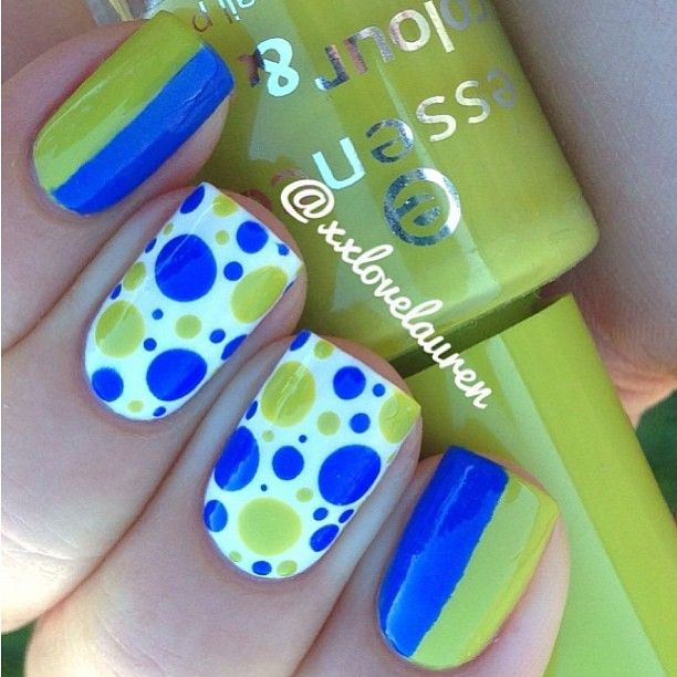 Ohhh so Cute dots mani  Nails by @xxlovelauren