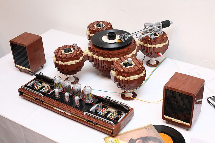 A Fully Functional Vintage-Style Record Player Made From 2,405 LEGO Pieces