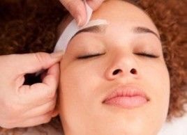 Threading waxing or plucking: How should you shape your eyebrows?