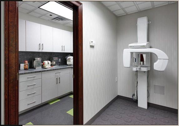 Dental lab interior medical dental interior design for Hip office design