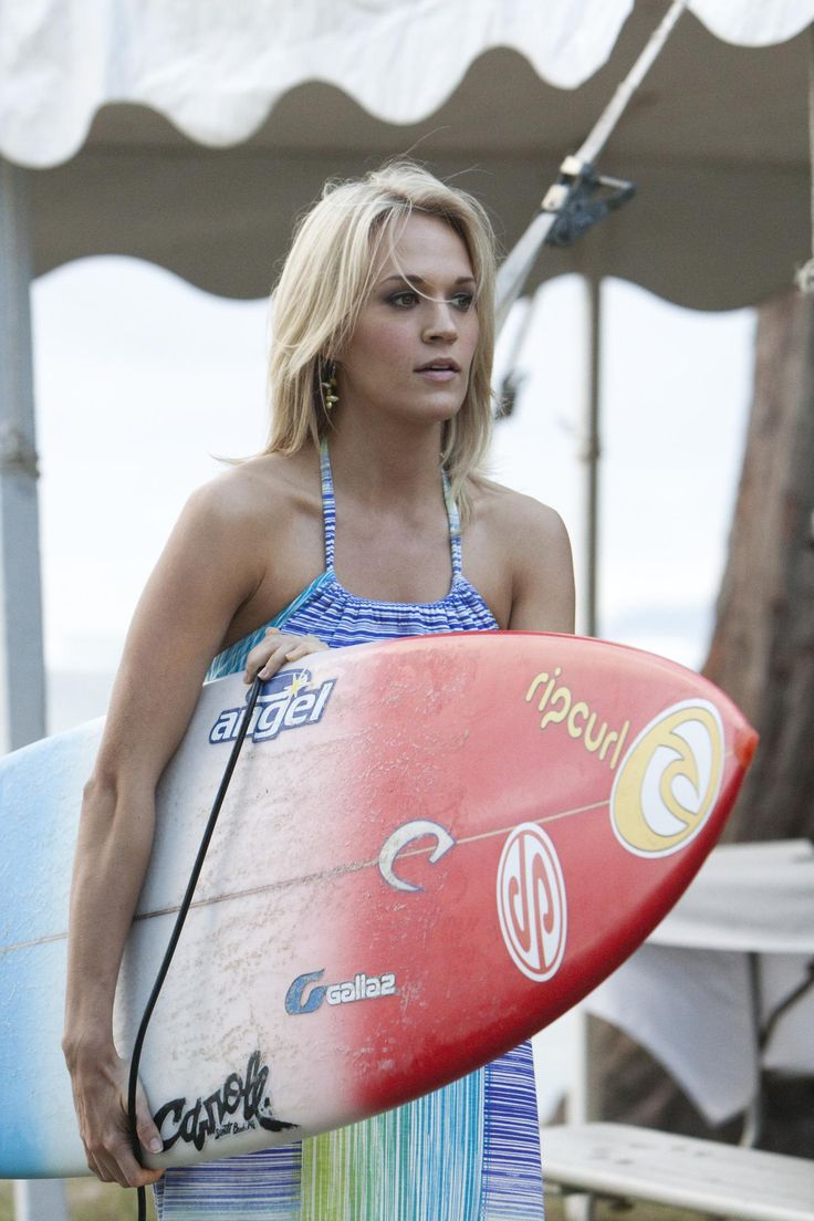 Still of Carrie Underwood in Soul Surfer (2011) http://www.movpins.com/dHQxNTk2MzQ2/soul-surfer-(2011)/still-2873604608