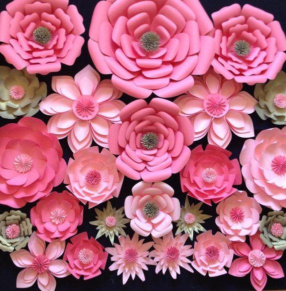 Papel flores telón de fondo de la boda arco por LavishInspirations