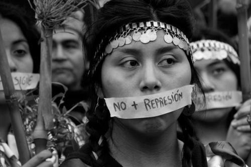 Mapuches- No represion! = No repression!