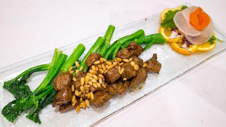 Ricette cinesi, manzo saltato con broccoli zenzero e salsa di soia, cibo cinese