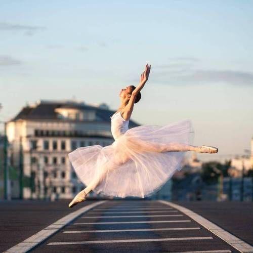 Pode nunca vir a ser a bailarina que planeava ser, mas pode ter o cabelo que desejar, e com muito menos esforço!  Tag someone with style!  Esperamos por si… Siga-nos ▶ Instagram | Facebook: @thetree.wellness  Fale connosco ▶ twitter:...