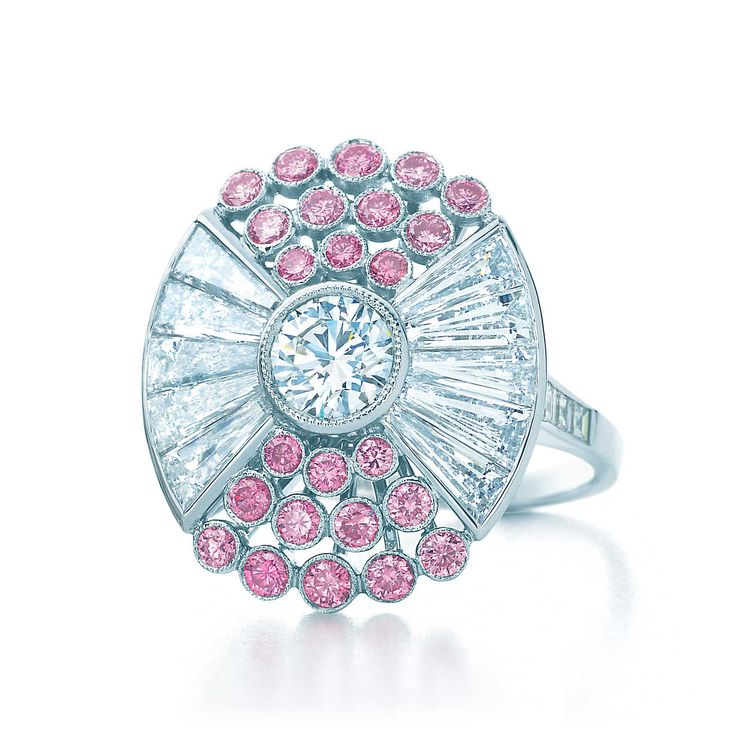 Tiffany & Co. Ring in platinum with white and Fancy Vivid Pink diamonds.